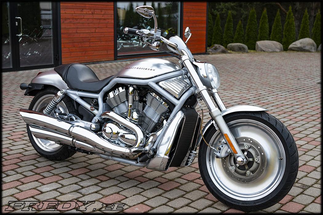 '02 Harley-Davidson VRSCA Silver